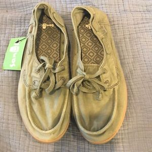 Sanuk 9 Pair O Sail Olive Bot Shoes NWT
